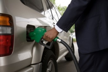 Should Gas Prices Influence Your Job Search?