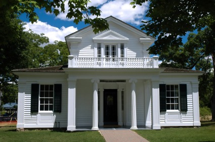 iStock Greek Revival House XSmall Thats an Interesting Looking House: Classical Home Styles