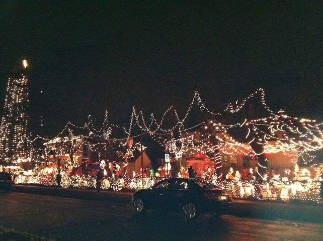 Tips for Hanging Christmas Lights - Quicken Loans Zing Blog