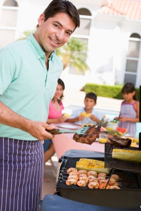 Make Your Summer Sizzle with These Outdoor Entertaining Tips - Quicken Loans Zing Blog