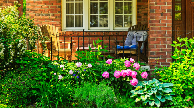 5 Essentials To Makeover Your Front Porch