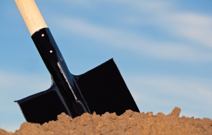 iStock shovel dirt What is an Earthbag Home and Why Should You Build One?