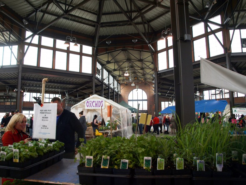 Shopping at Farmers Markets - Quicken Loans Zing Blog