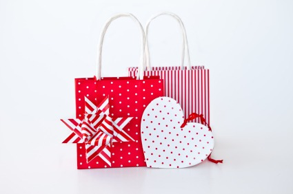 Wrap Gifts Without Paper - Quicken Loans Zing Blog