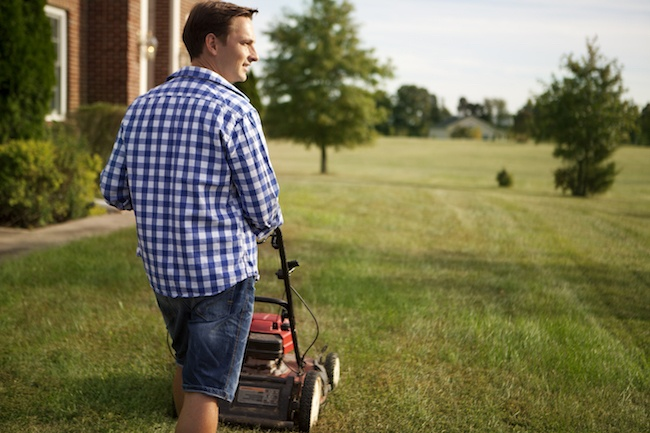 Pros and Cons of Electric and Gas Lawn Mowers - Quicken Loans Zing Blog