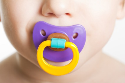 iStock 000012692649XSmall Should You Take Away Your Childs Pacifier?
