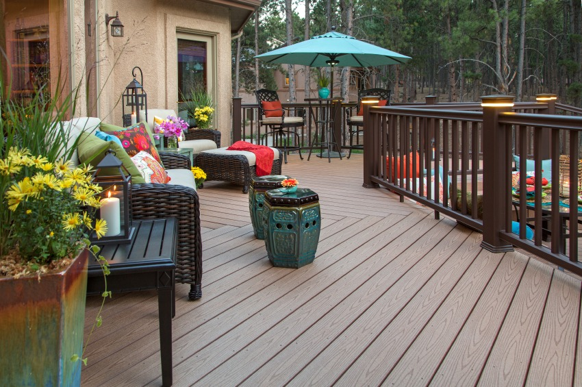 Pros and cons of composite decks quicken loans zing blog for Beautiful garden decking