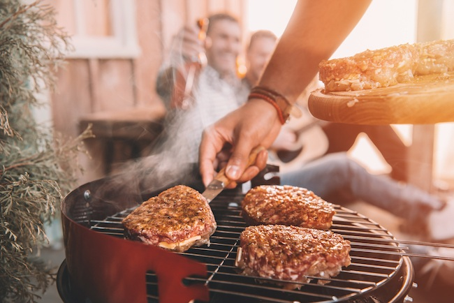 Gas Vs Charcoal Grill Things You Need To Know When Ing A
