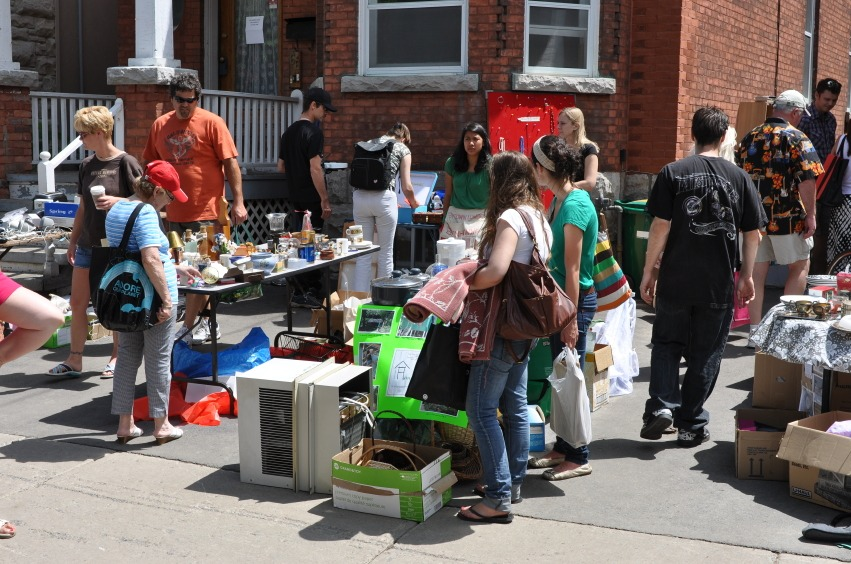 How to Host a Fall Yard Sale: Five Tips for Success - Quicken Loans Zing Blog