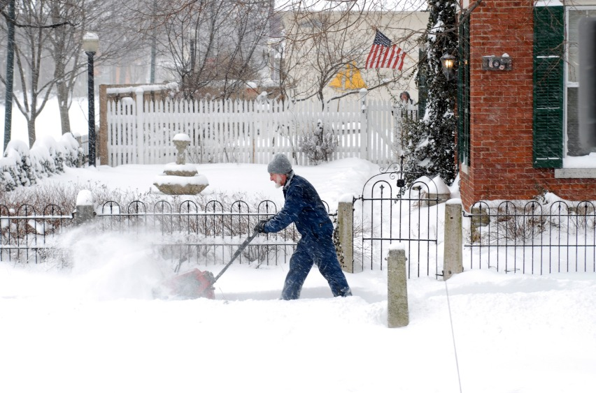 Tips and Tools for Easier Snow Removal - Quicken Loans Zing Blog