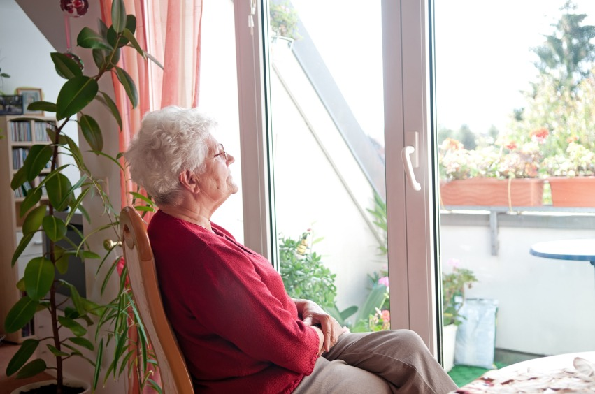 Helping Seniors Stay in Their Homes Longer: How to Make Living Alone Safe - Quicken Loans Zing Blog