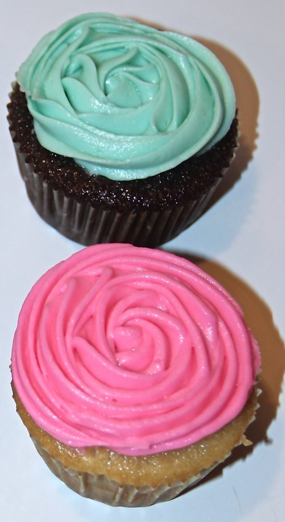 How to Frost Cupcakes to Look Like Flowers - Quicken Loans Zing Blog