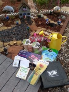 Announcing the Winner of the Second Annual AmaZing Garden Giveaway - Deb's prize 1 - Quicken Loans Zing Blog