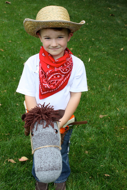 Inexpensive and Easy DIY Halloween Costumes for Kids 2014 - Quicken Loans Zing Blog  sc 1 st  Quicken Loans & Inexpensive and Easy DIY Halloween Costumes for Kids: 2014 - ZING ...