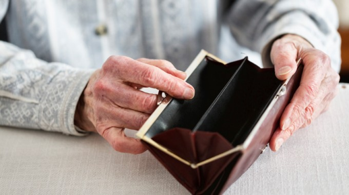 Protecting Yourself And Your Loved Ones From Elder Financial Abuse