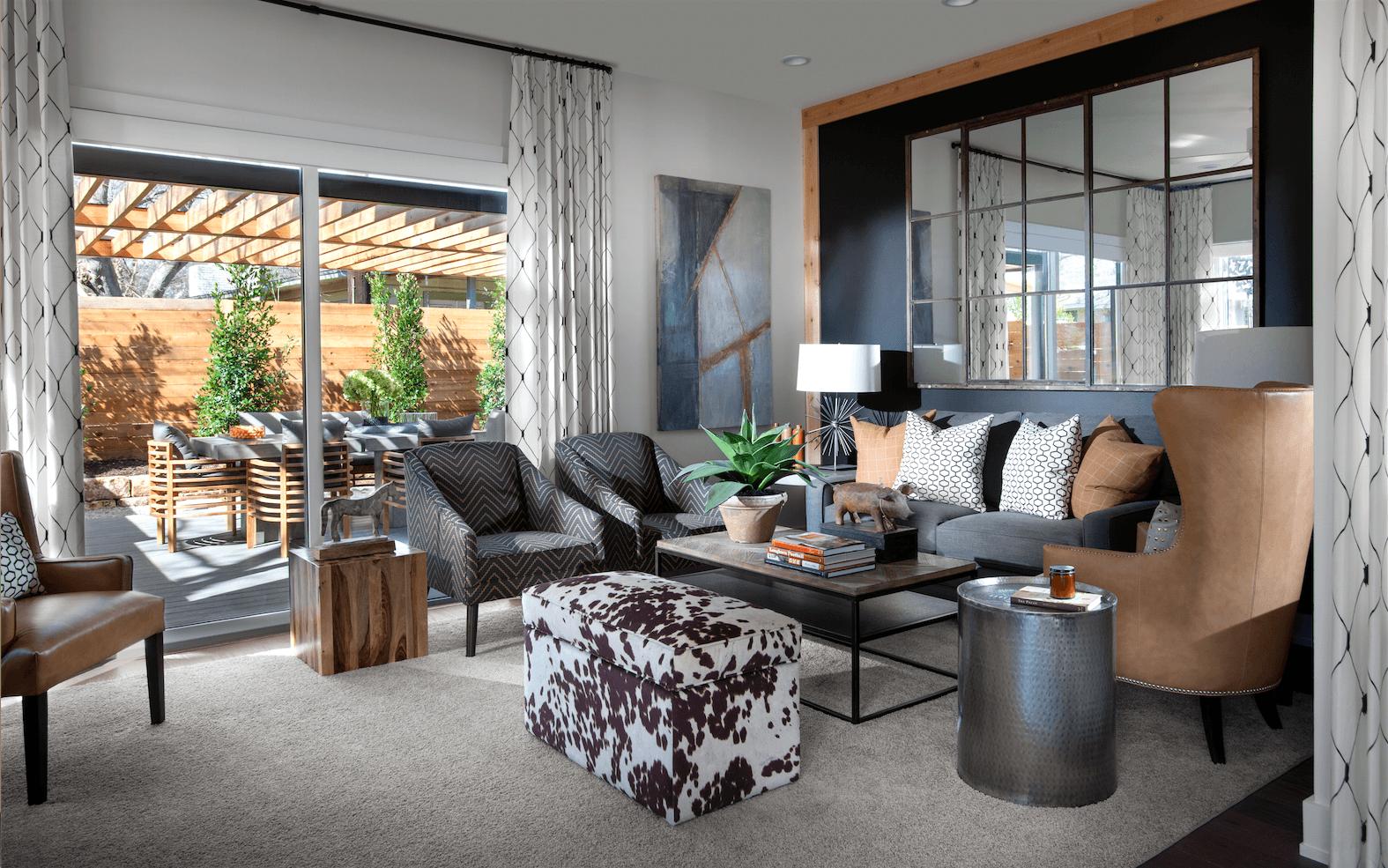 ... Living Room ...
