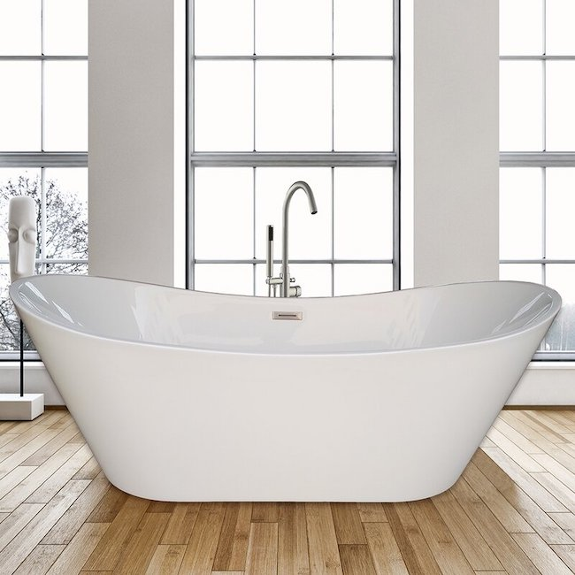 Large soaking tub product image