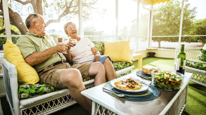 What Is A Reverse Mortgage And How Can It Help You?