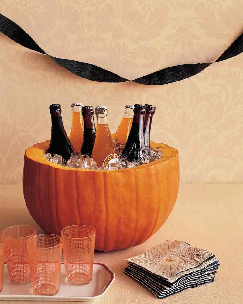 Halloween party decor - 8 Tips For Throwing A Classically Spooky Halloween Party Quicken Loans Zing Blog