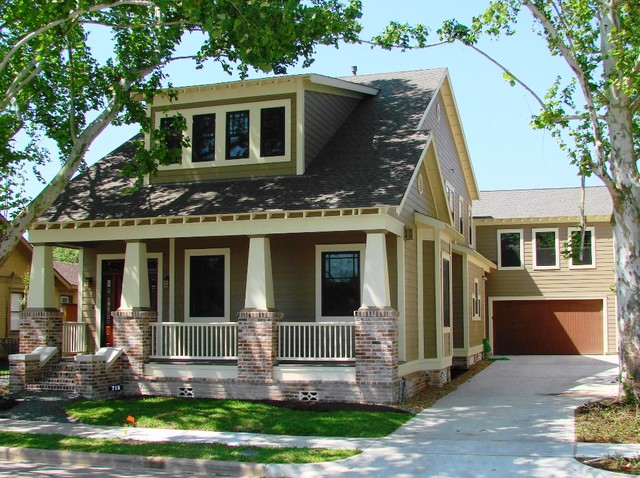 How to identify a craftsman style home the history types for Craftsman style architecture