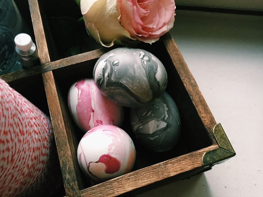 Marbled Easter Eggs You and Your Kids Will Enjoy - Quicken Loans Zing Blog