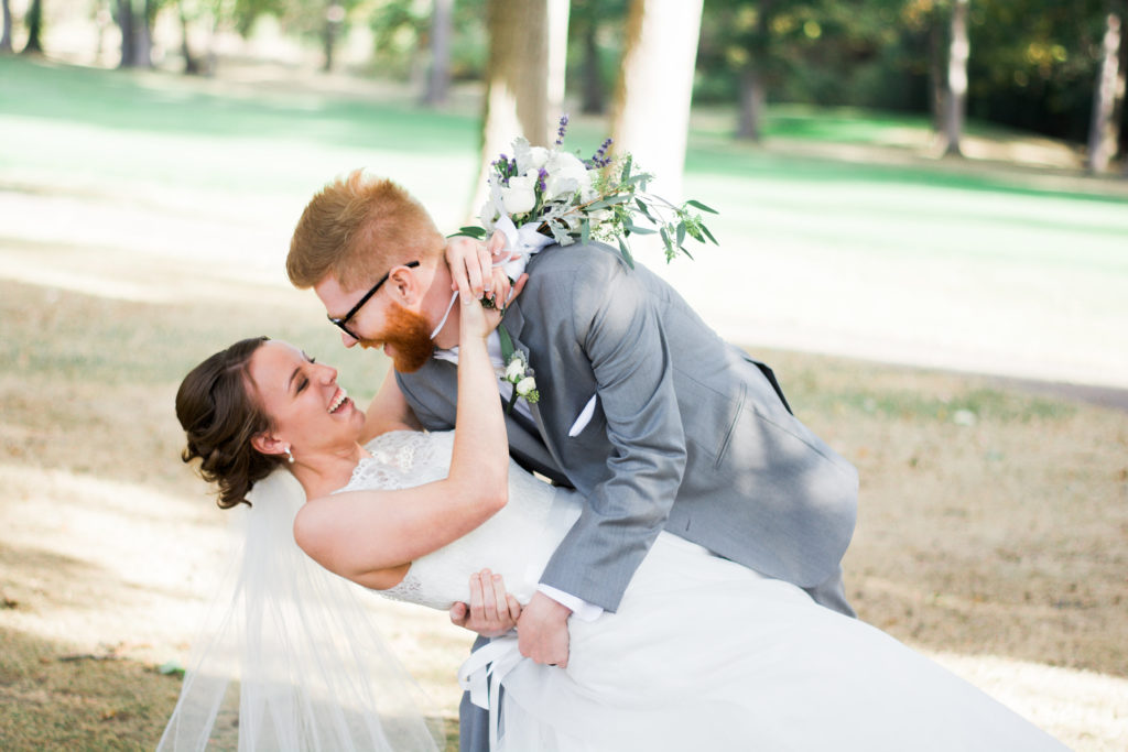 Be Our Guest: The Do's and Don'ts of Attending a Wedding - Quicken Loans Zing Blog
