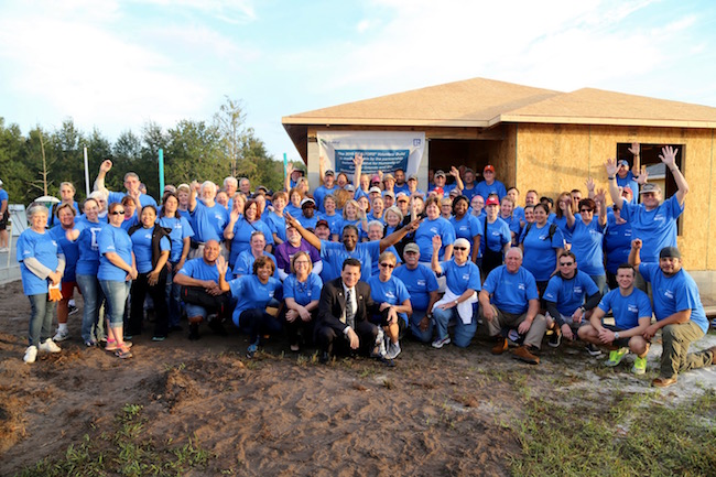 Quicken Loans Lends a Hand with NAR and Habitat for Humanity - Quicken Loans Zing Blog