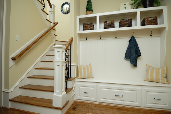 6 tips for adding function and style to your mudroom for Basement mudroom ideas
