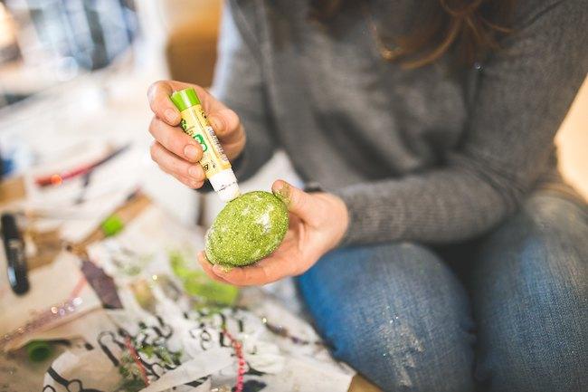 10 Egg-stremely Easy Easter Egg DIYs - Quicken Loans Zing Blog