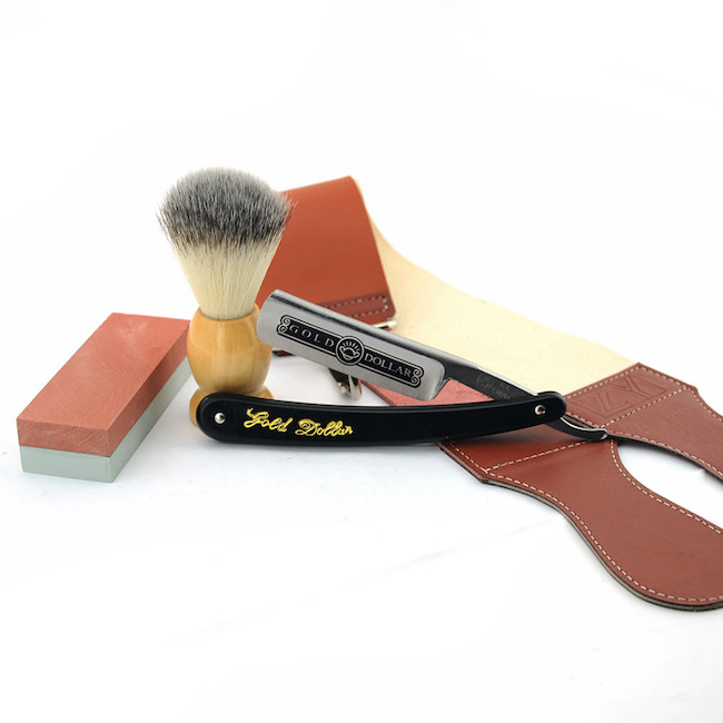 Men's shaving kit with razor case