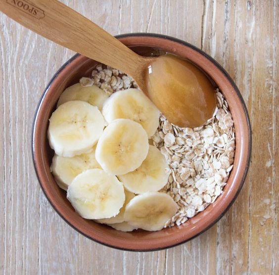Oatmeal, honey and banana scrub mask