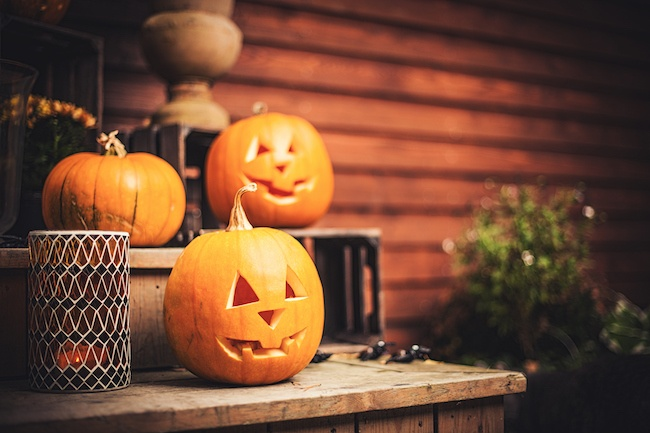 13 Unique Halloween Decorations that Go Bump in the Night - Quicken Loans Zing Blog