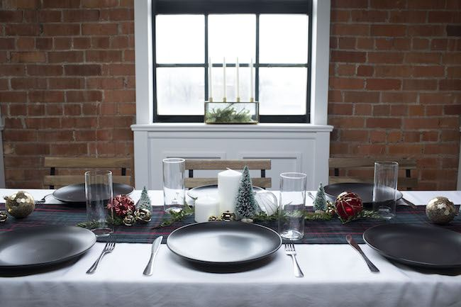 7 Steps to a Festive Table Setting for Your Holiday Dinner - Quicken Loans Zing Blog