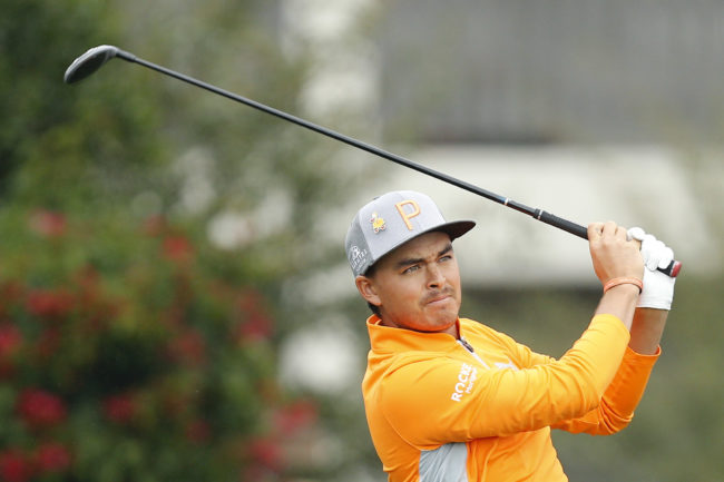 Rickie Fowler swings