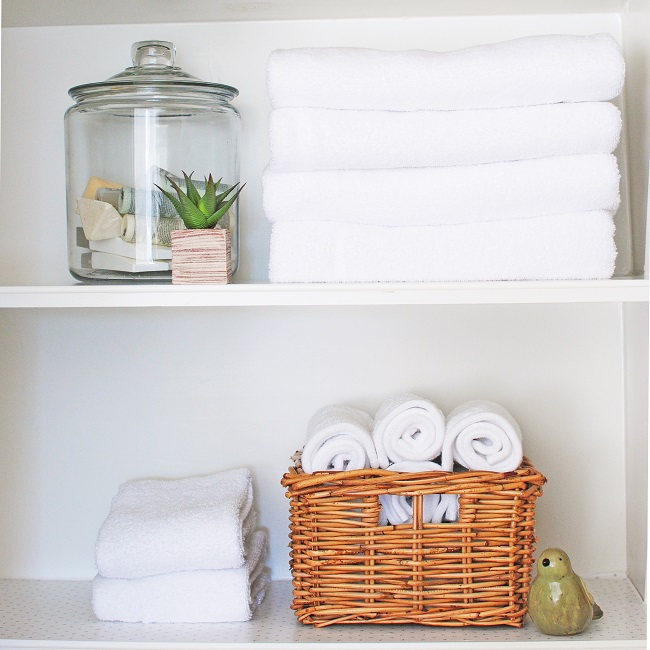 bathroom linen organization