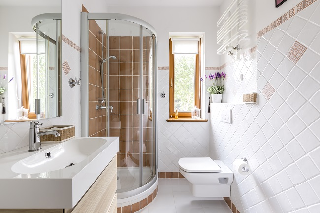 12 Super Smart Small Bathroom Ideas - Zing Blog by Quicken ...